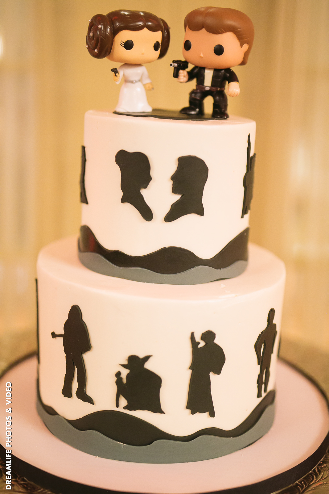 Star Wars Wedding Cake.Let Your Personality Shine With These Creative Wedding Cake Toppers