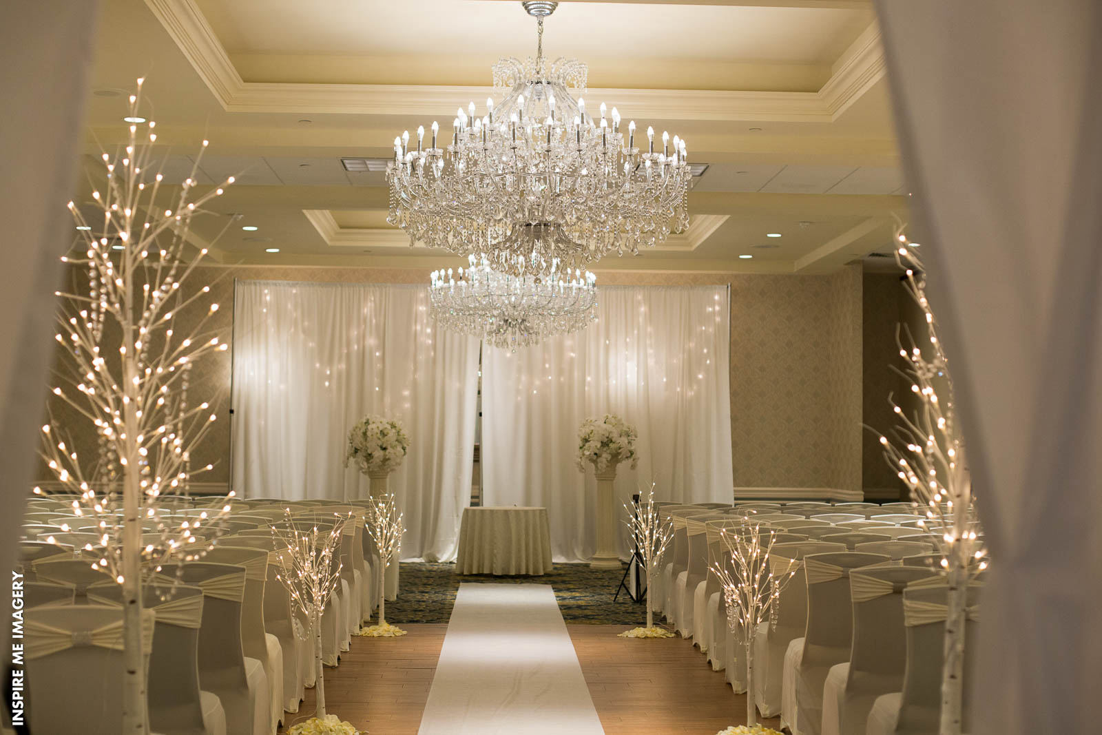 Wow Your Guests With These Wedding Aisle Decor Ideas | East Windsor ...