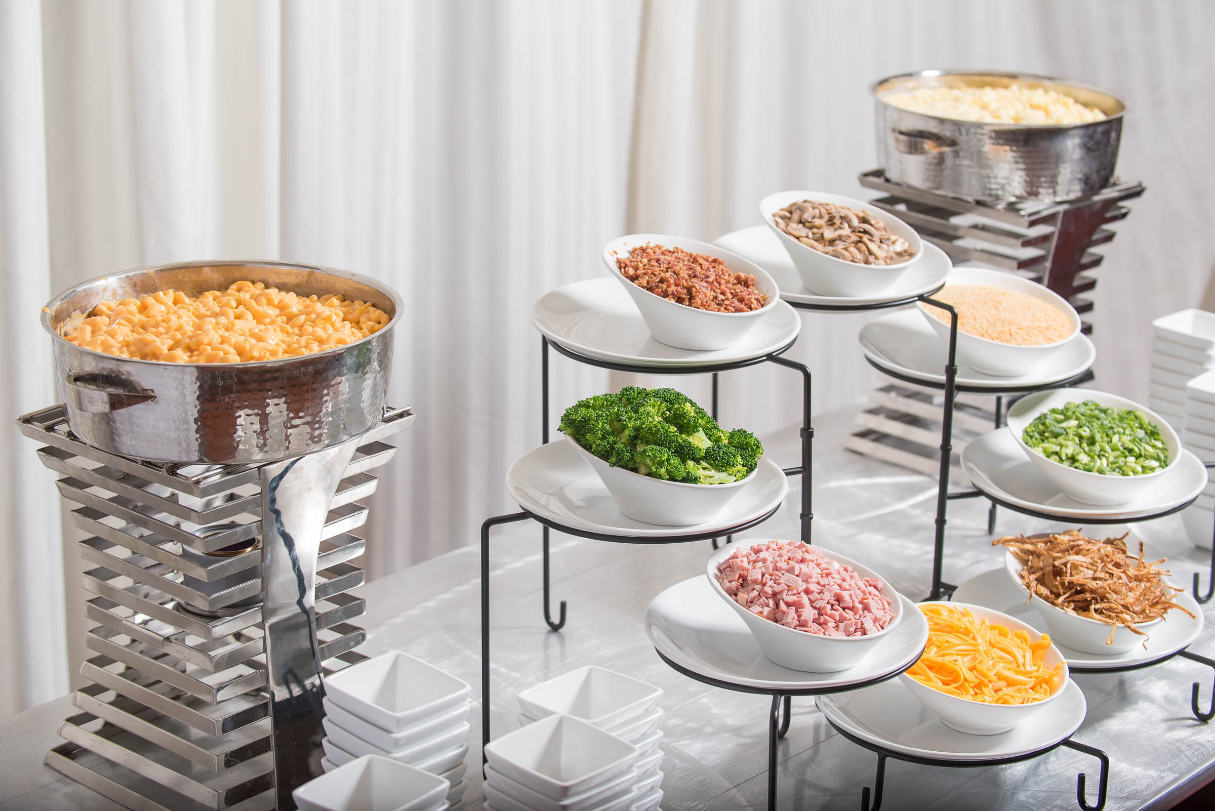 Creative Ways To Serve Your Favorite Foods At Your Wedding Reception