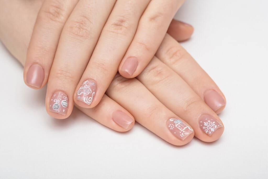 Color bridal nails with white design